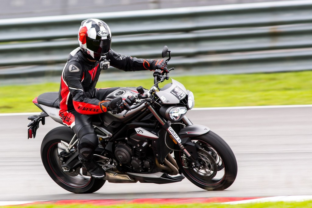 The Street Triple RS in action