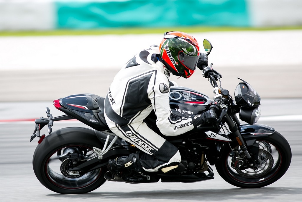The Street Triple RS in action_3