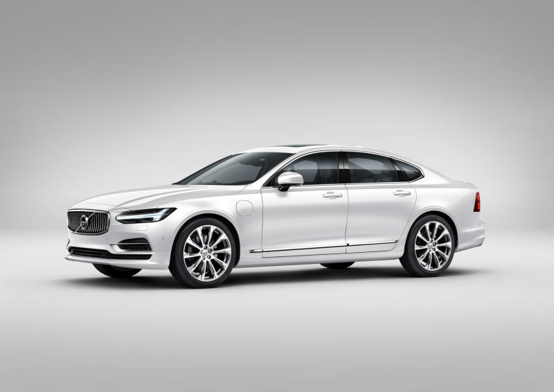 Volvo S90 T8 Twin Engine Plug-in Hybrid Electric Vehicle - 01