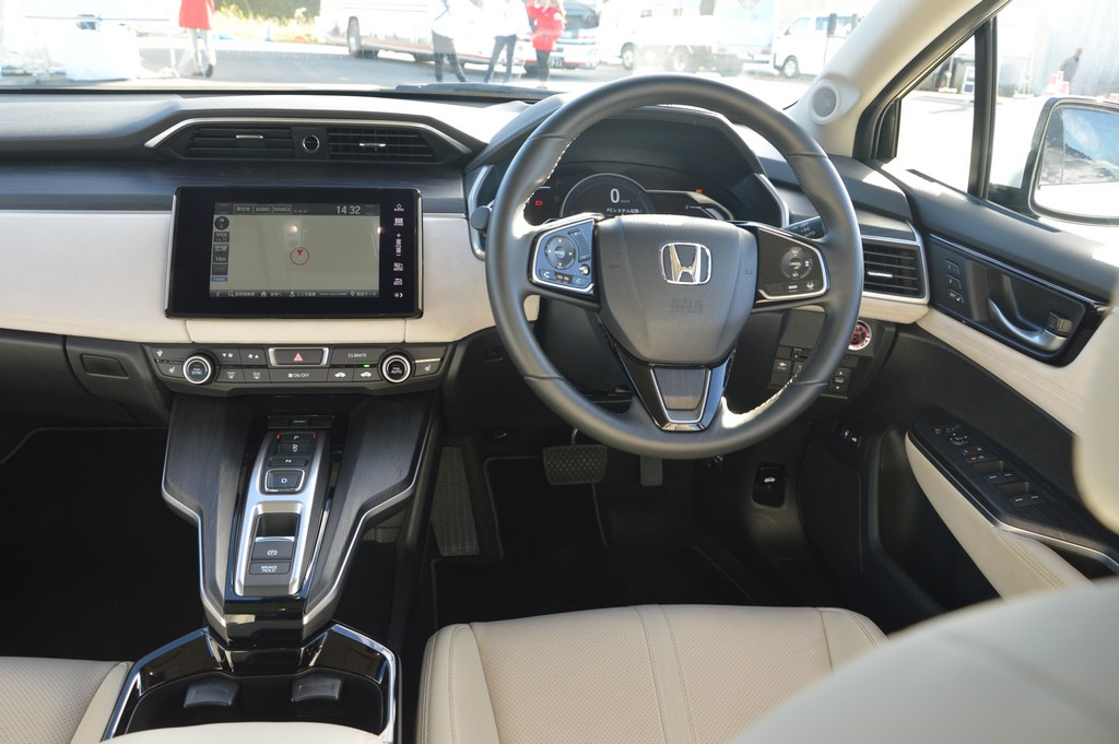 2017 Honda Clarity Fuel Cell Carsifu (6)