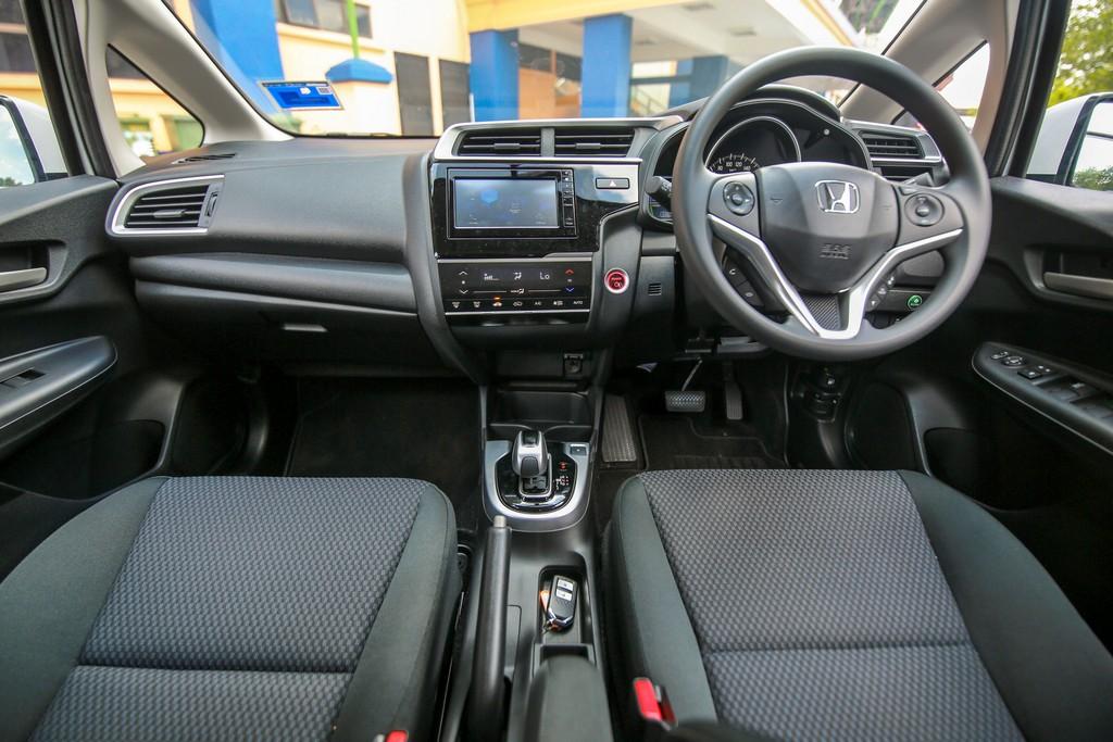 2017 Honda Jazz hybrid (25)