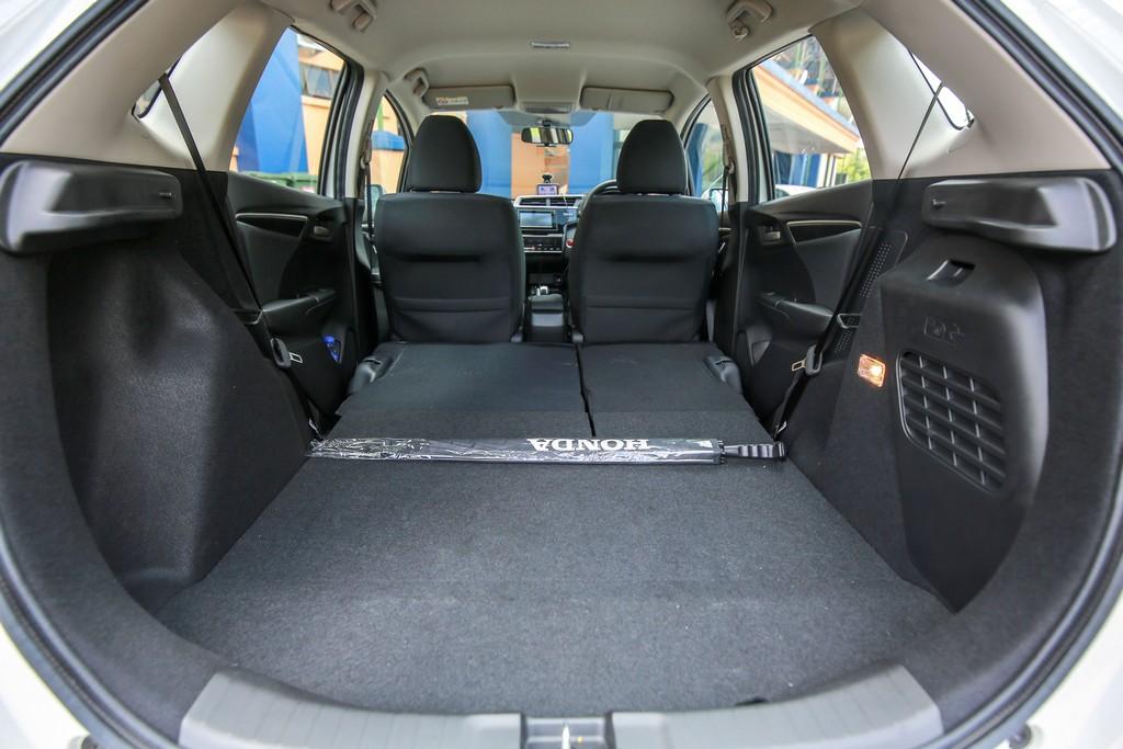 2017 Honda Jazz hybrid (31)