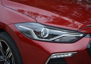 2017 Hyundai Elantra Sport turbo Carsifu (13)