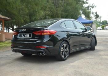 2017 Hyundai Elantra Sport turbo Carsifu (14)