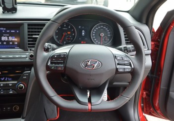 2017 Hyundai Elantra Sport turbo Carsifu (18)