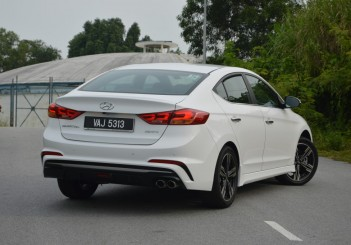 2017 Hyundai Elantra Sport turbo Carsifu (21)