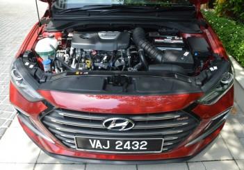 2017 Hyundai Elantra Sport turbo Carsifu (8)