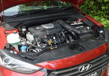 2017 Hyundai Elantra Sport turbo Carsifu (9)