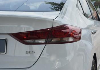 Carsifu 2017 Hyundai Elantra 2-litre MPI Executive (17)