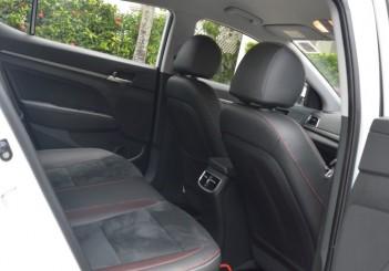 Carsifu 2017 Hyundai Elantra 2-litre MPI Executive (21)