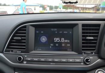 Carsifu 2017 Hyundai Elantra 2-litre MPI Executive (3)