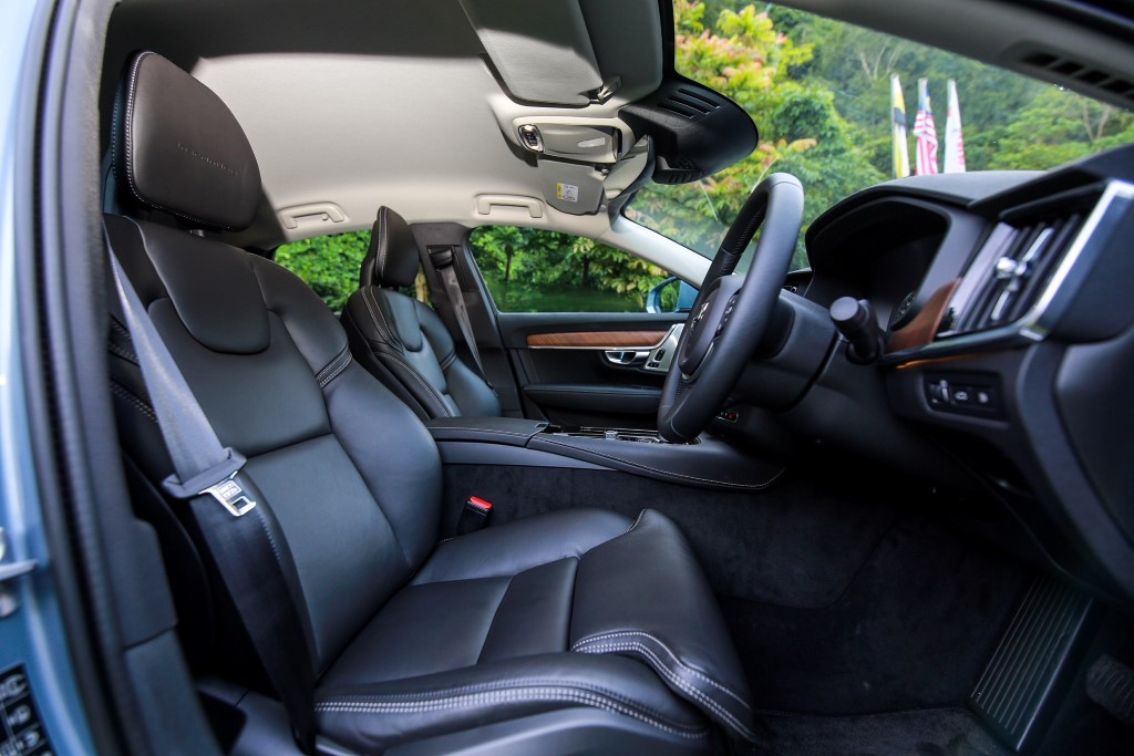 Carsifu 2017 Volvo S90 T8 Twin Engine PHEV  (11)