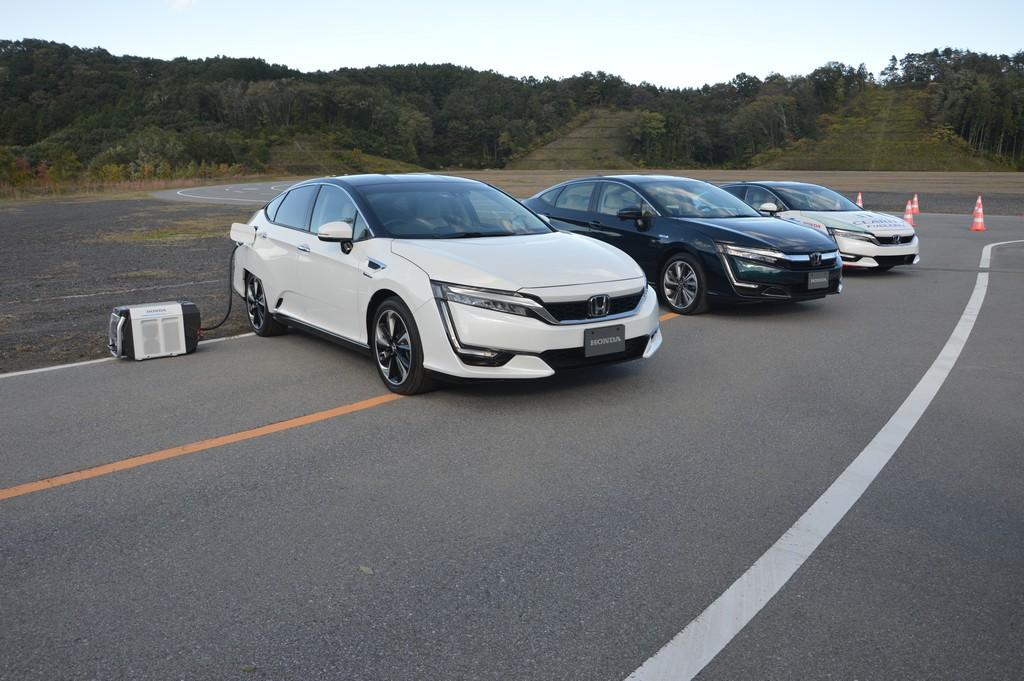 Carsifu Drives Honda Clarity Phev And Fuel Cell Variants Carsifu