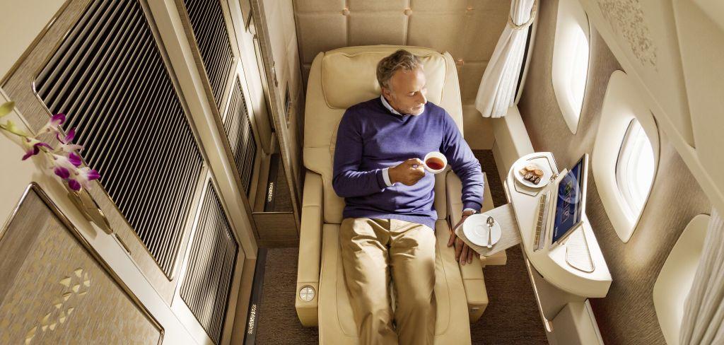 Internationale Markenkooperation von Mercedes-Benz und Emirates Airline: First Class fliegen – inspiriert von Mercedes-Benz