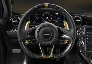 McLaren 720S Dubai - 08