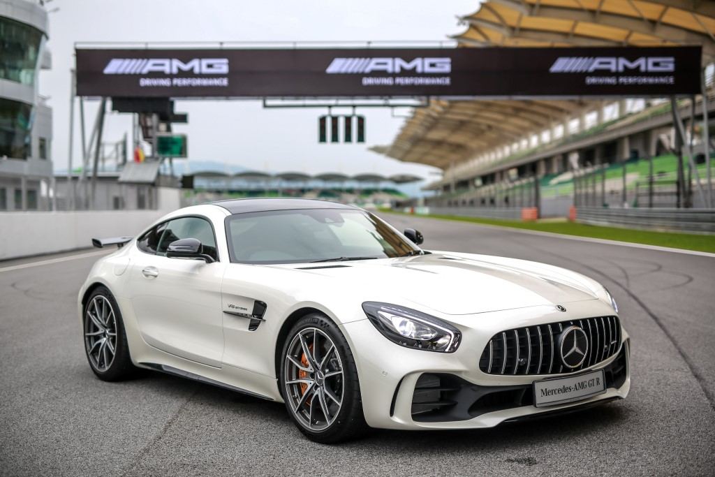 pick up a mercedes amg gt r from rm1 7 million carsifu. Black Bedroom Furniture Sets. Home Design Ideas