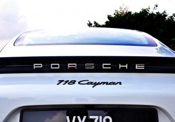 Porsche 718 Cayman 2.0 - 27
