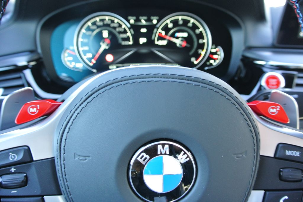 2018 BMW M5 (1)
