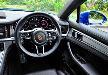 Porsche Panamera 3.0 V6 - 102
