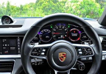 Porsche Panamera 3.0 V6 - 103