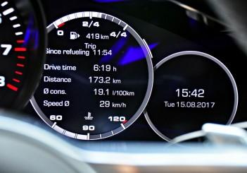 Porsche Panamera 3.0 V6 - 111
