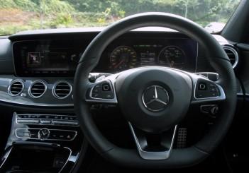 2017 Mercedes-Benz E 350 e (AMG Line) (16)