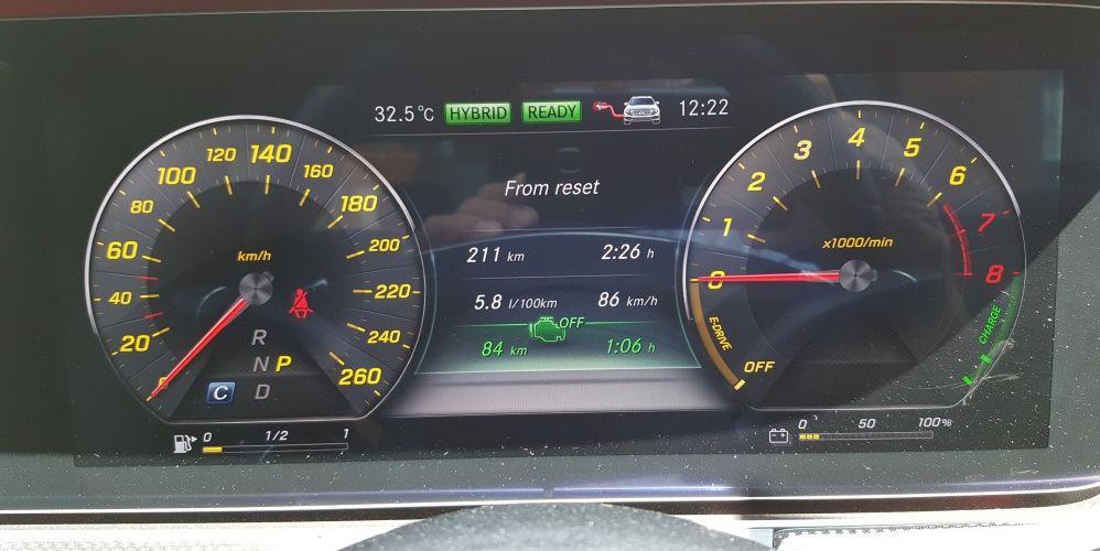 2017 Mercedes-Benz E 350 e (AMG Line) (52)
