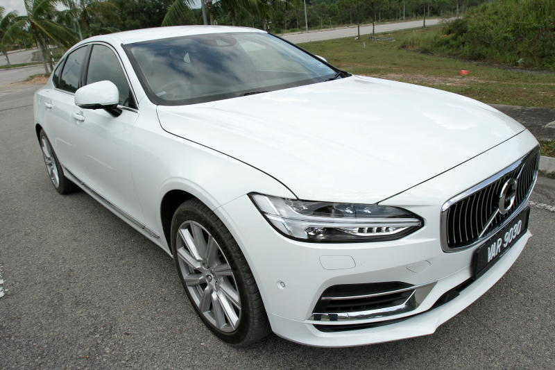 2017 Volvo S90 T8 Twin Engine AWD (Inscription) (14)