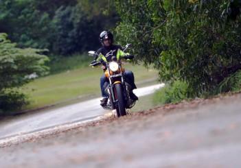 Moto Guzzi V9 Roamer (12)
