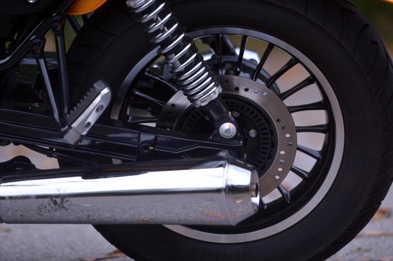 Moto Guzzi V9 Roamer (13)