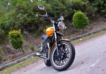 Moto Guzzi V9 Roamer (15)