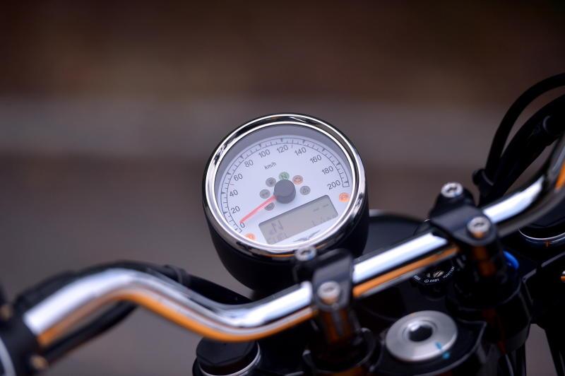 Moto Guzzi V9 Roamer (22)