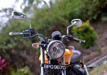 Moto Guzzi V9 Roamer (6)