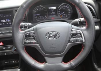 2017 Hyundai Elantra 2-litre MPi Executive (40)