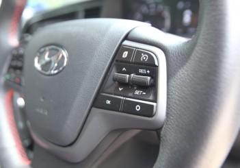 2017 Hyundai Elantra 2-litre MPi Executive (44)