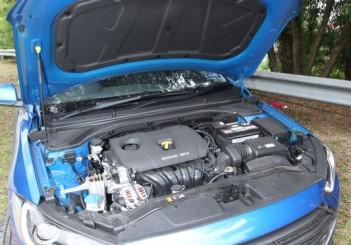 2017 Hyundai Elantra 2-litre MPi Executive (52)