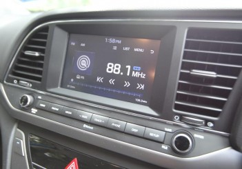 2017 Hyundai Elantra 2-litre MPi Executive (56)