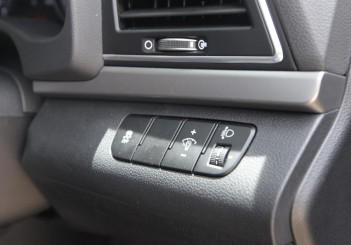2017 Hyundai Elantra 2-litre MPi Executive (57)