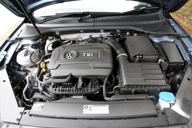 2017 Volkswagen Passat 1-8TSI Comfortline PLUS (28)
