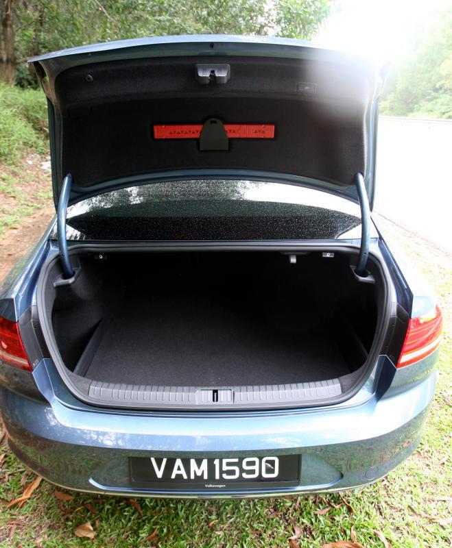2017 Volkswagen Passat 1-8TSI Comfortline PLUS (29)