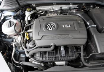 2017 Volkswagen Passat 1-8TSI Comfortline PLUS (33)