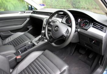 2017 Volkswagen Passat 1-8TSI Comfortline PLUS (50)