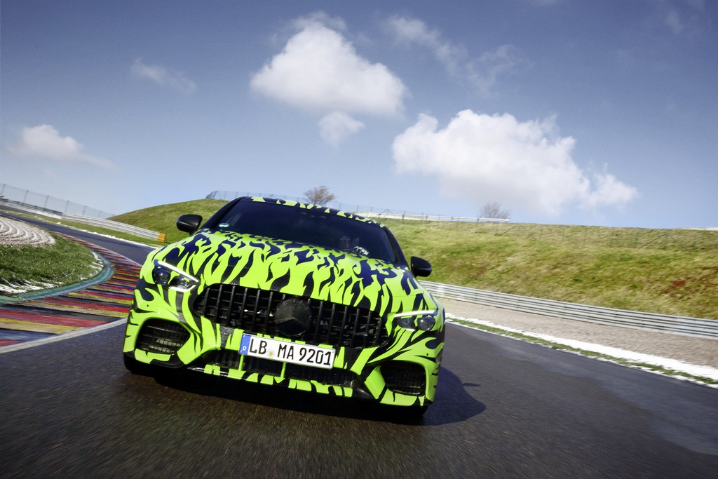 From the Affalterbach site to country roads, in the city and on the race track - developers from Affalterbach are testing the new member of the AMG GT family in the most diverse conditions. The four-door AMG GT is already demonstrating its versatility. AMG's third in-house development will be celebrating its world premiere at the Geneva Motor Show on March 6th.