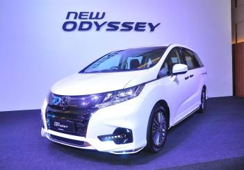 Honda Odyssey with Honda Sensing - 01