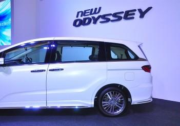 Honda Odyssey with Honda Sensing - 10