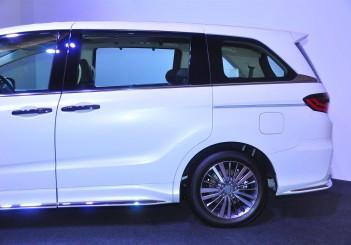 Honda Odyssey with Honda Sensing - 11