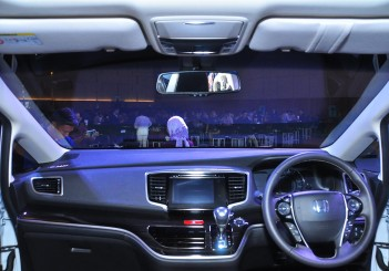 Honda Odyssey with Honda Sensing - 21