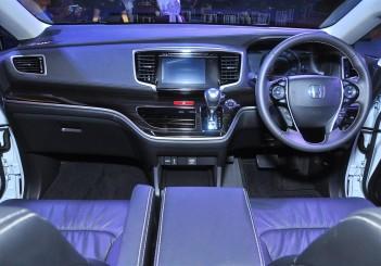 Honda Odyssey with Honda Sensing - 22