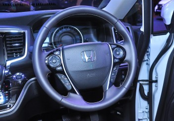 Honda Odyssey with Honda Sensing - 24