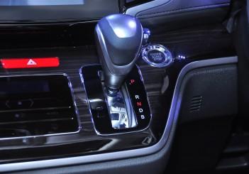 Honda Odyssey with Honda Sensing - 28